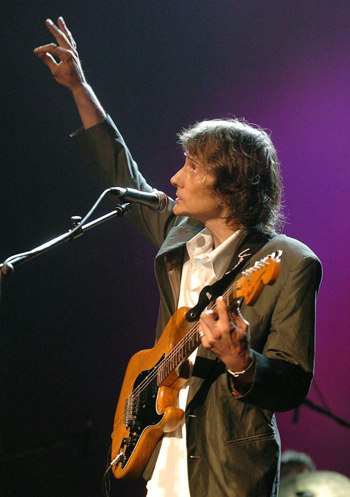 ANTONIO VEGA - (2004)