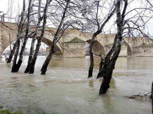Puente Piedra-Zaragoza